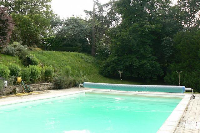 Ancien prieur restaur avec d pendances parc et piscine for Piscine xveme