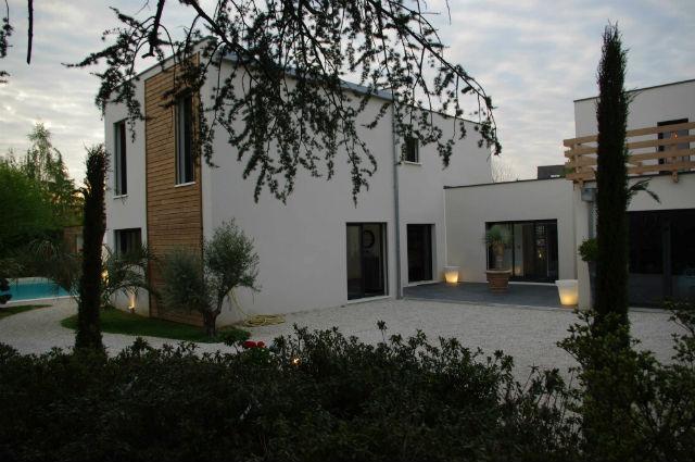 Maison bois tours for Maison moderne tours
