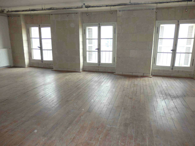 (37) TOURS CENTRE TRES BEL APPARTEMENT DE 95 M2 AVEC BEAUX ELEMENTS