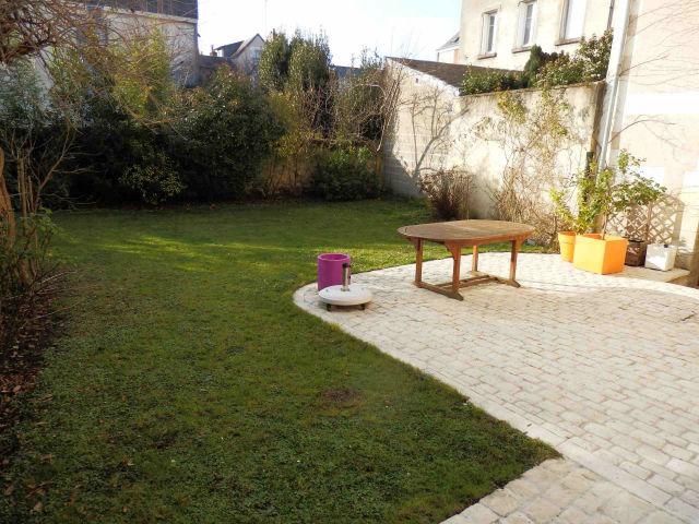 Tours prebendes jolie maison xixeme avec beau jardin bien expose et garages agence immobiliere - Maison avec jardin uccle tours ...