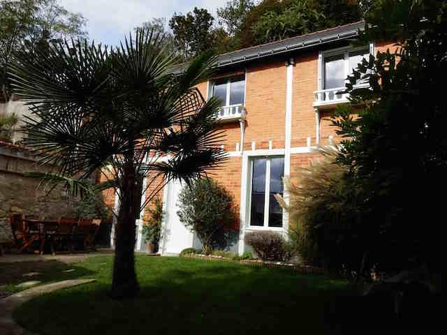 Accueil agence immobiliere une demeure en touraine sophie meunier bel air 13 rue - Maison avec jardin uccle tours ...
