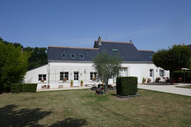 Ancienne Maison De Vigneron Restaurée Avec Dépendance Et Jardin Du0027environ  1200m2
