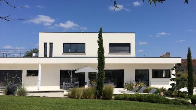 Accueil agence immobiliere une demeure en touraine for Maison moderne 250m2